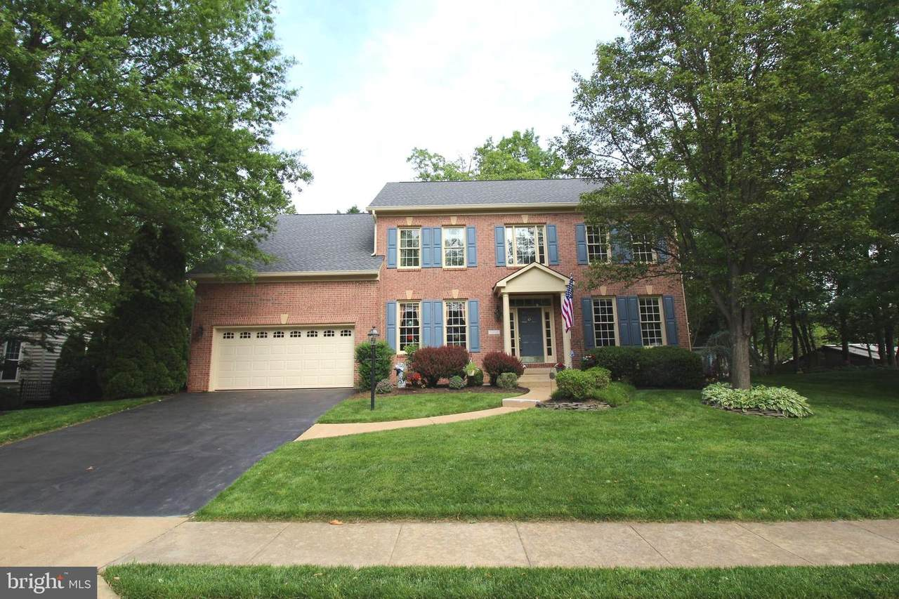 5552 Shooters Hill Lane - Photo 1