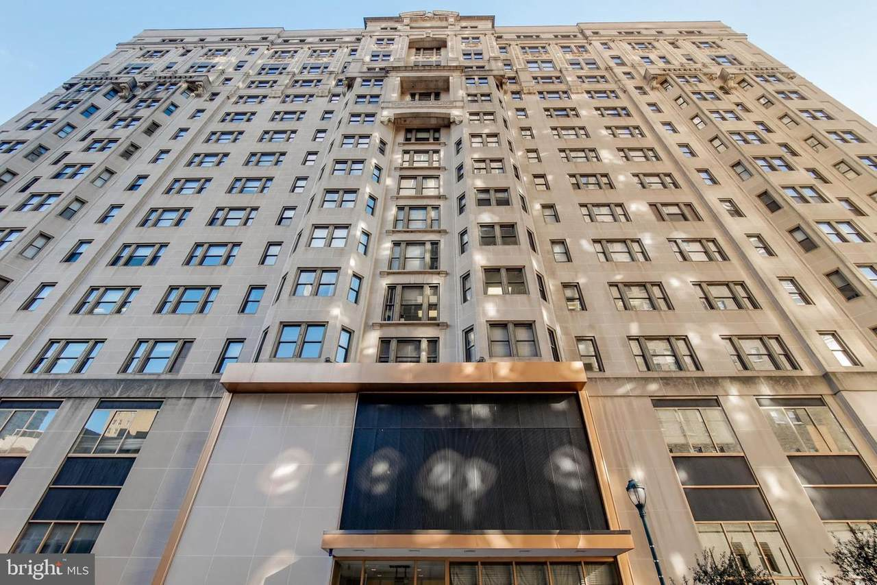 135 19TH Street - Photo 1