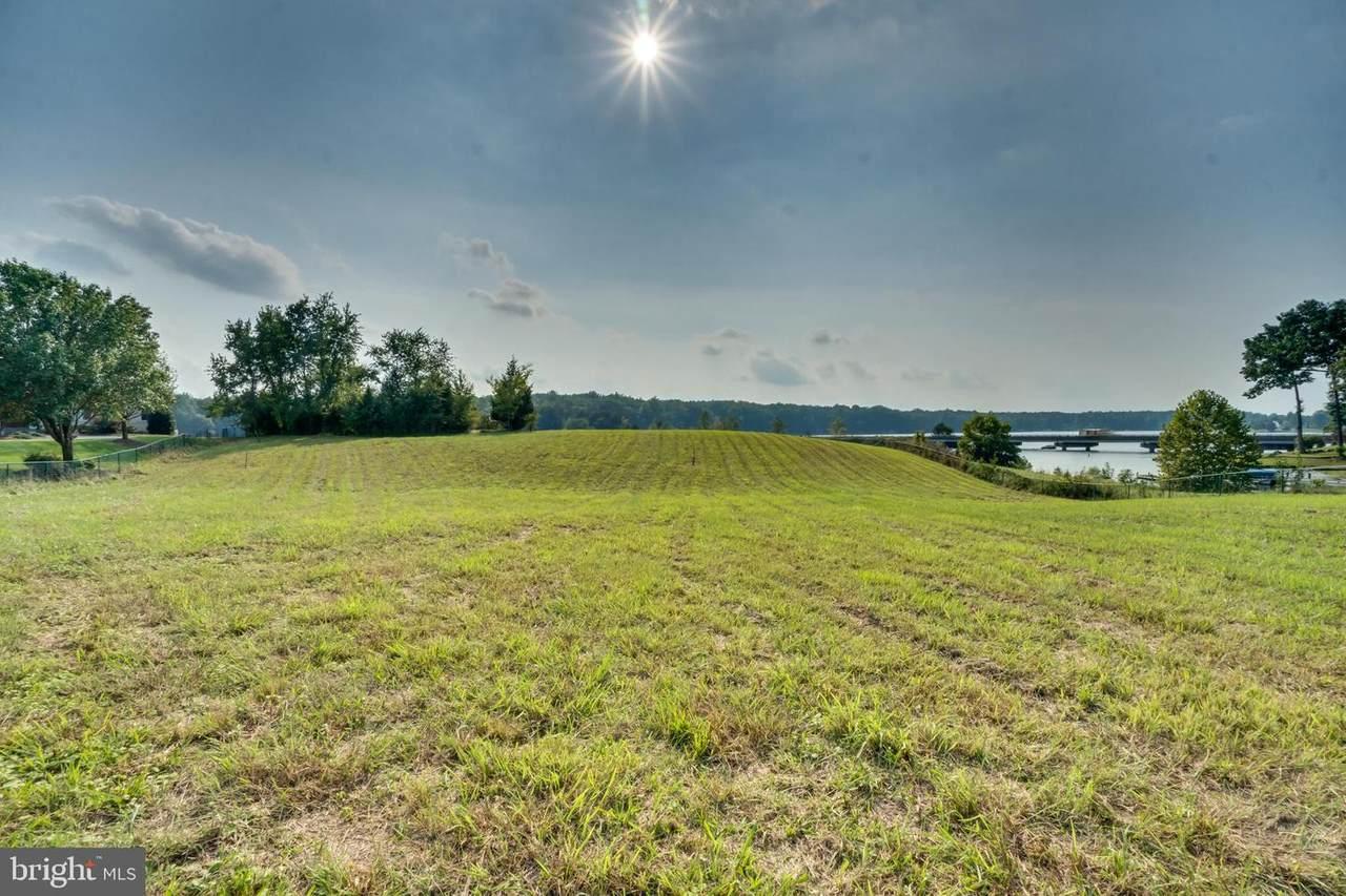 6111 Lake Front Way - Photo 1