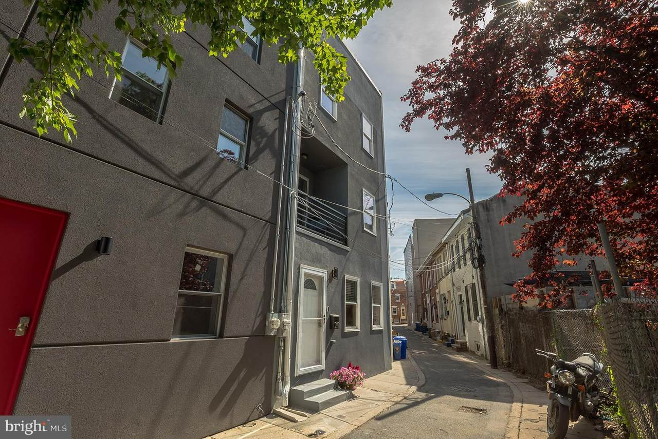 211 Mercer Street - Photo 1
