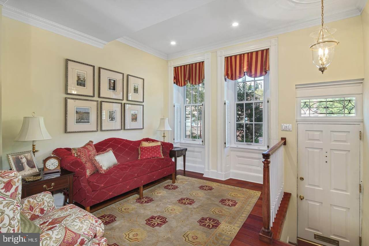 426 Lombard Street - Photo 1