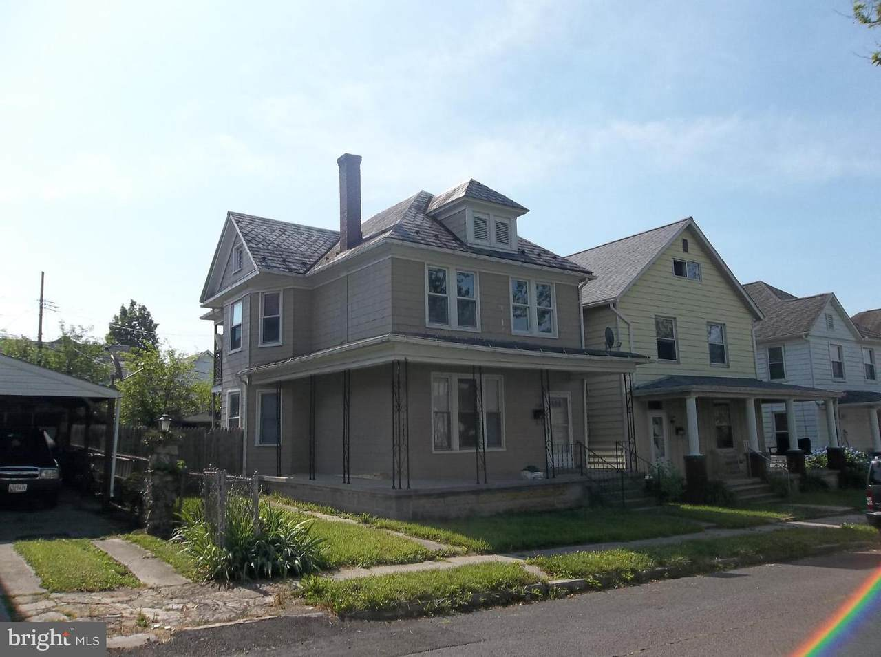 204 Seymour Street - Photo 1