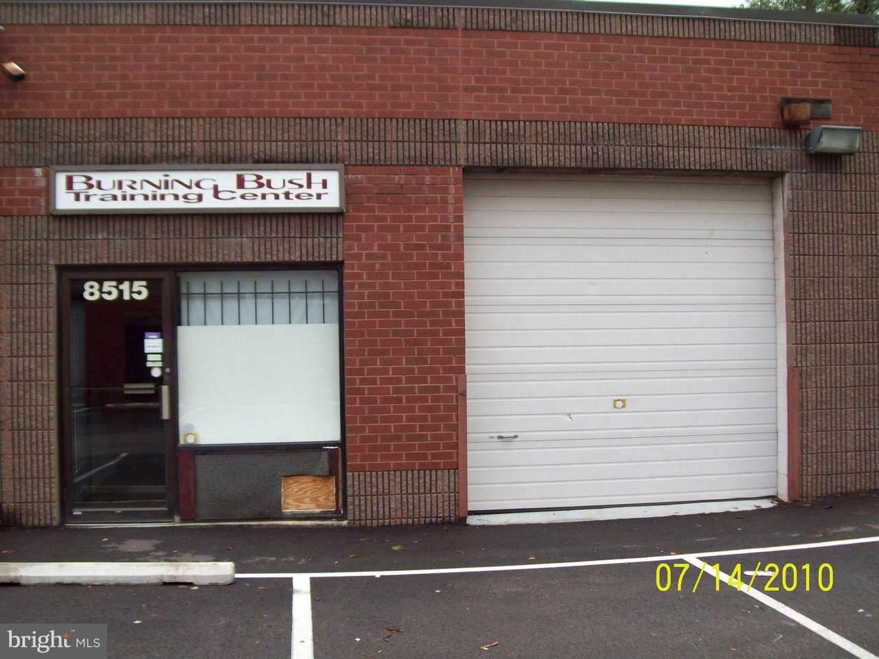 8515 Edgeworth - Photo 1