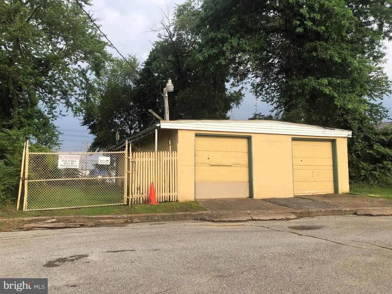 810 Claymont Street - Photo 1