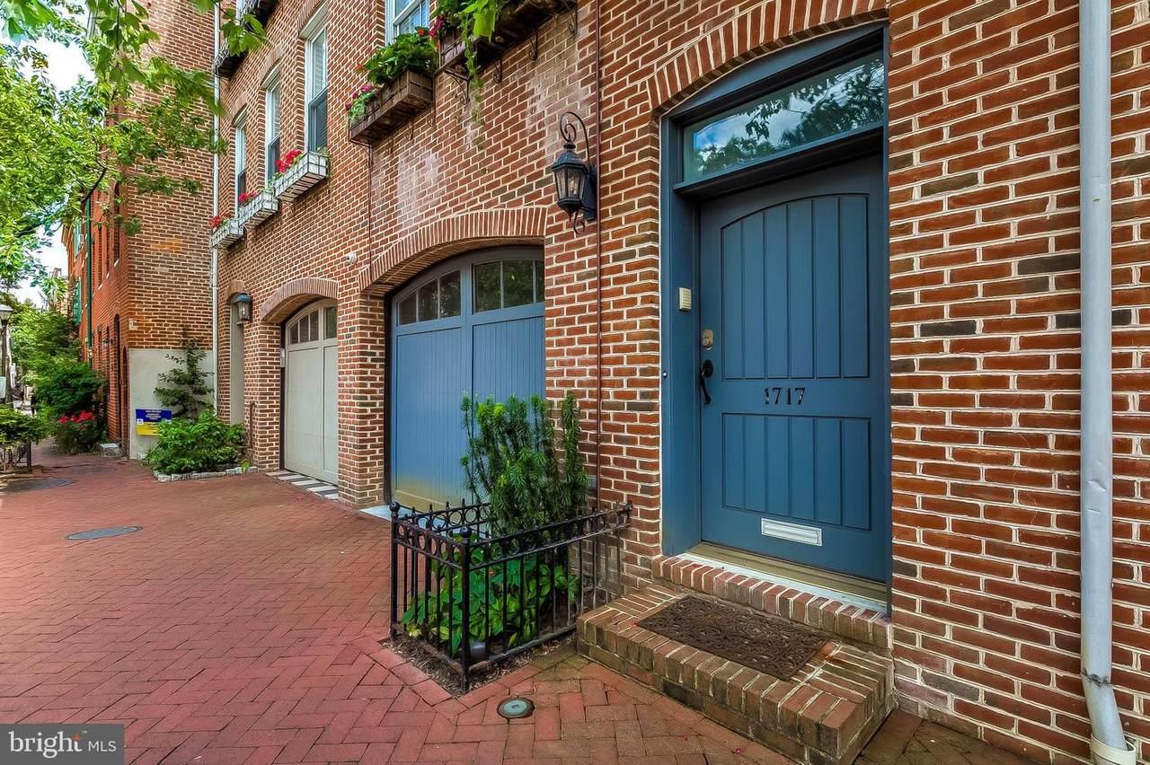 1717 Lancaster Street - Photo 1