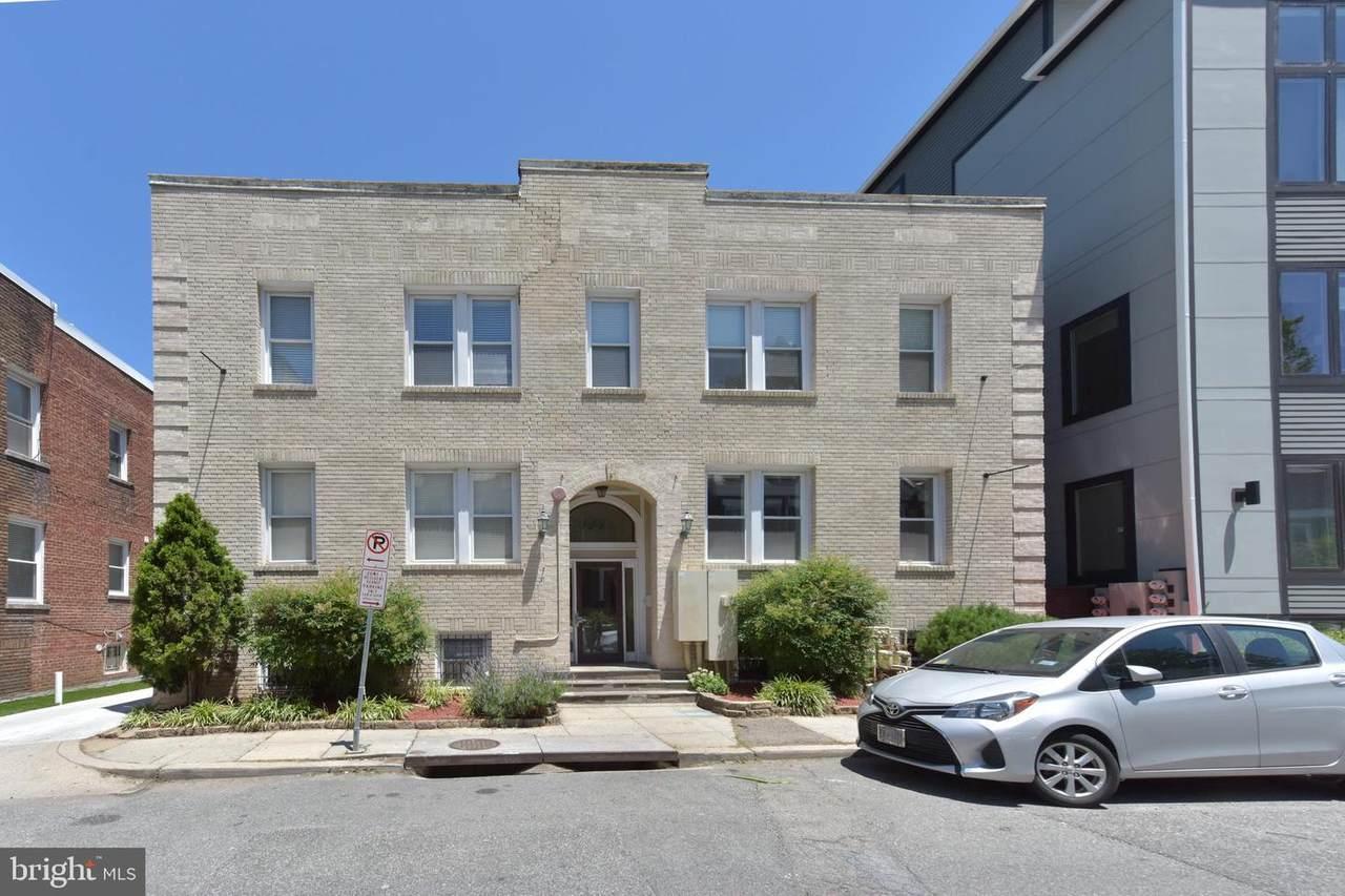 1443 Oak Street - Photo 1