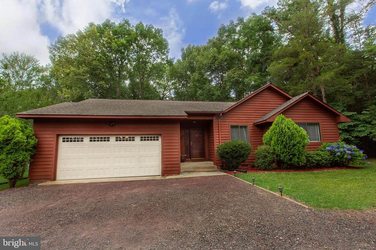 3927 Lakeview Parkway - Photo 1