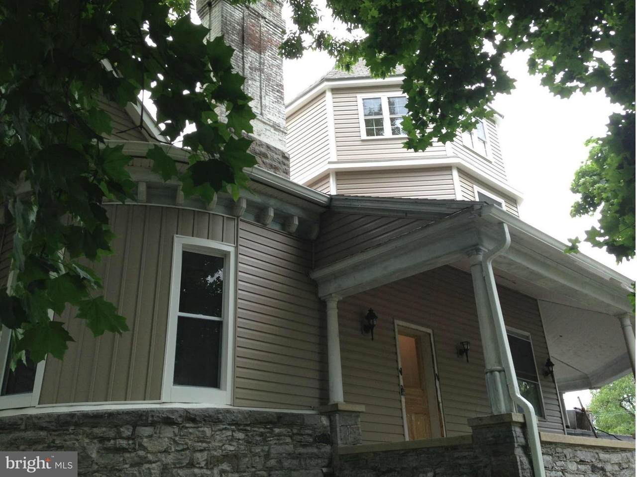 334 Summit Avenue - Photo 1