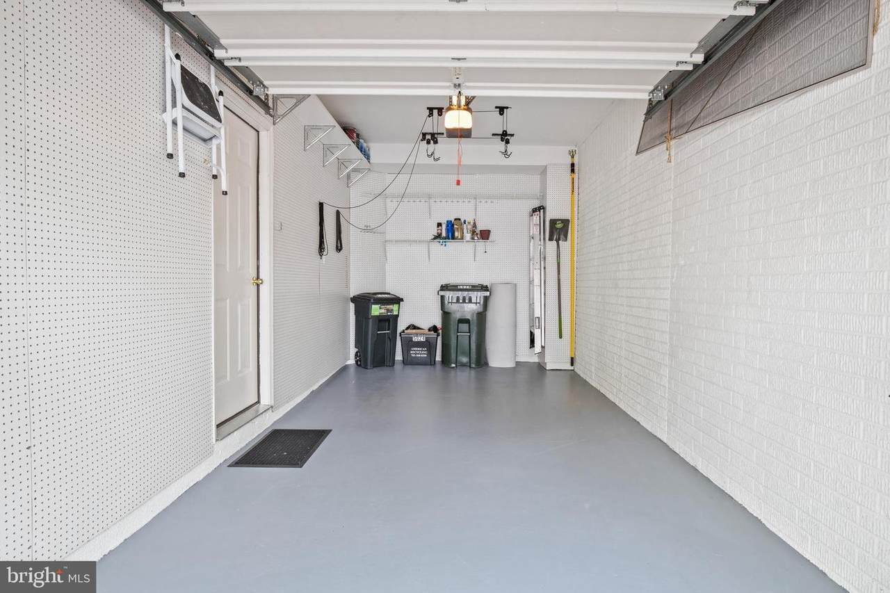 https://bt-photos.global.ssl.fastly.net/brightmls/1280_boomver_1_304224901616-2.jpg