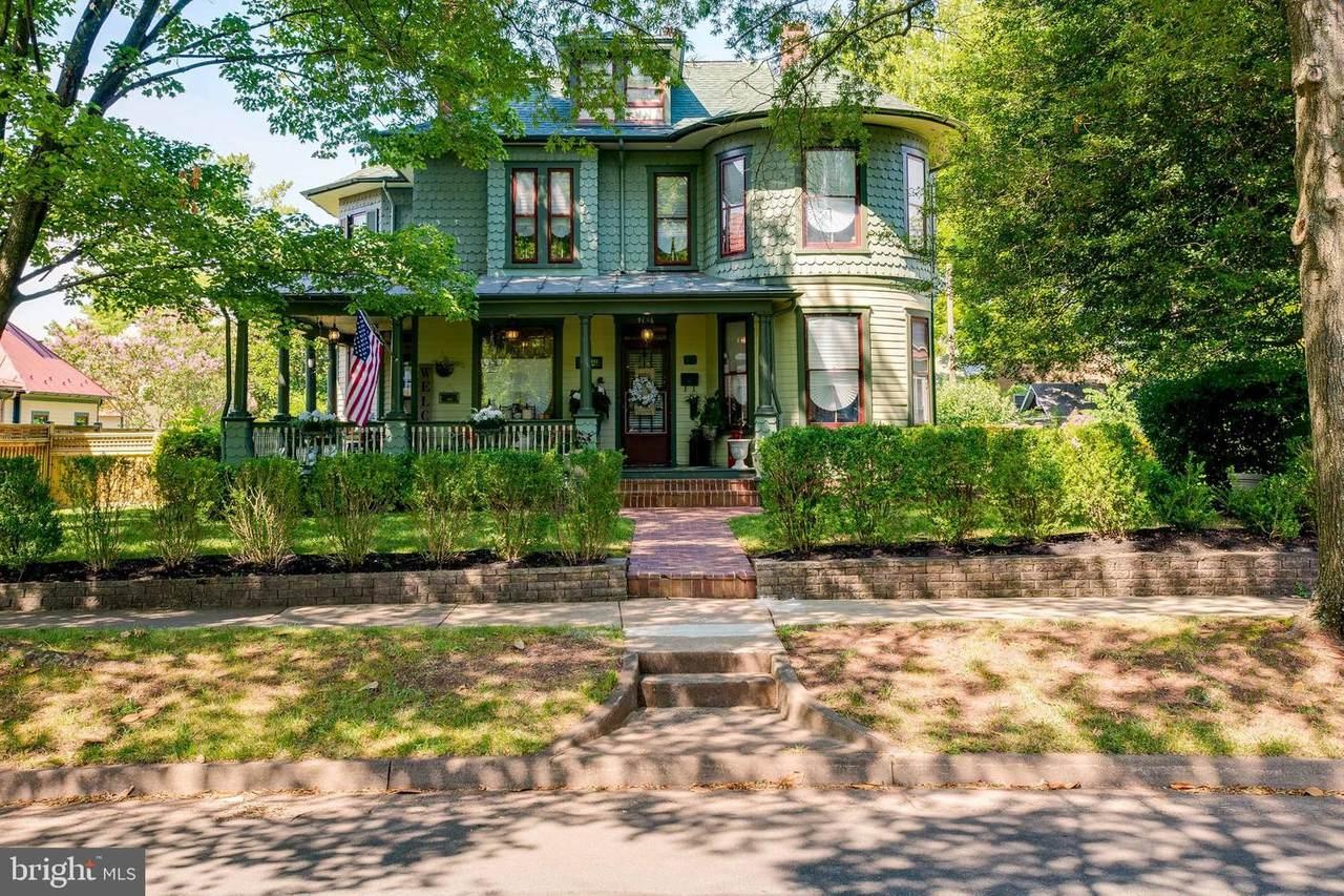 9136 Grant Avenue - Photo 1