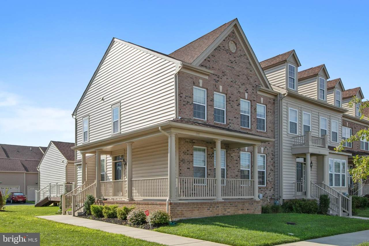 285 Bayberry Parkway - Photo 1