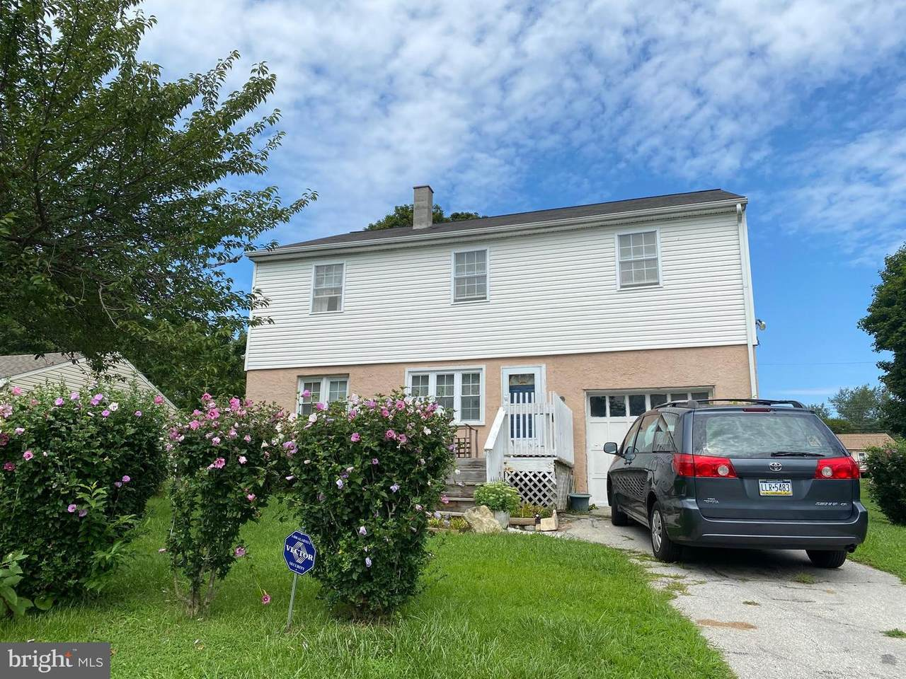 995 Chestnut Street - Photo 1