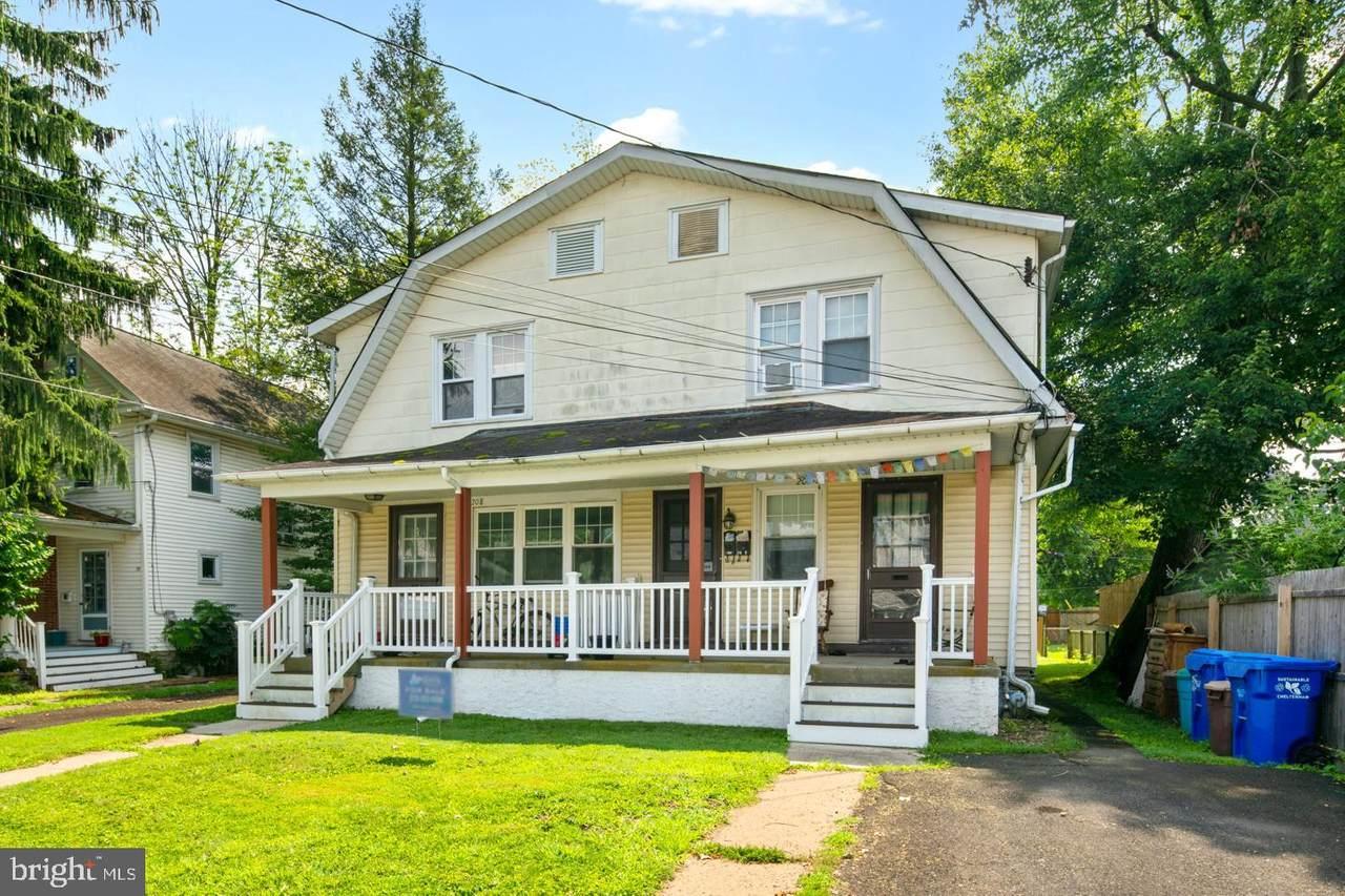206 Brookdale Avenue - Photo 1