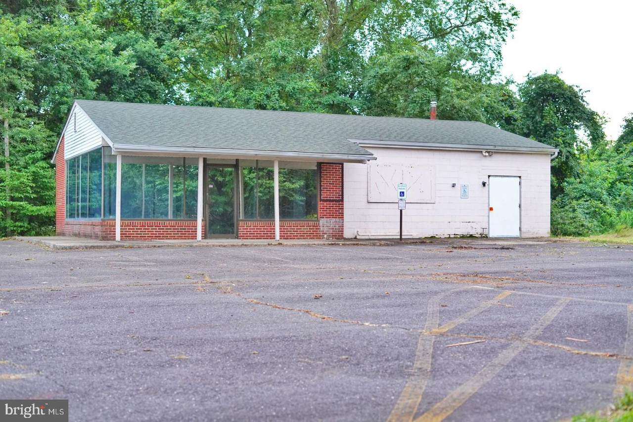 207 Georgetown Wrightstown Road - Photo 1