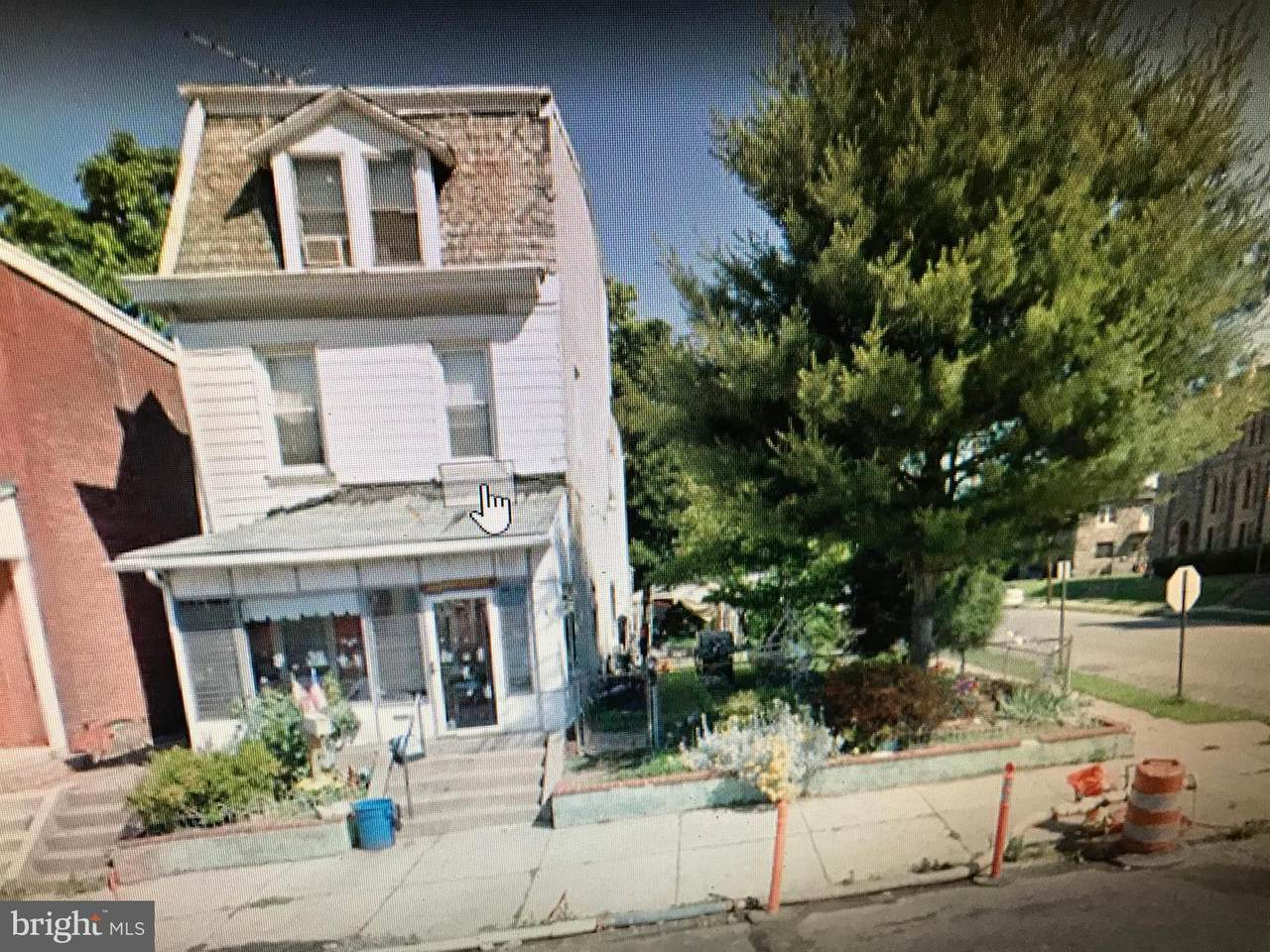 802 8TH Street - Photo 1
