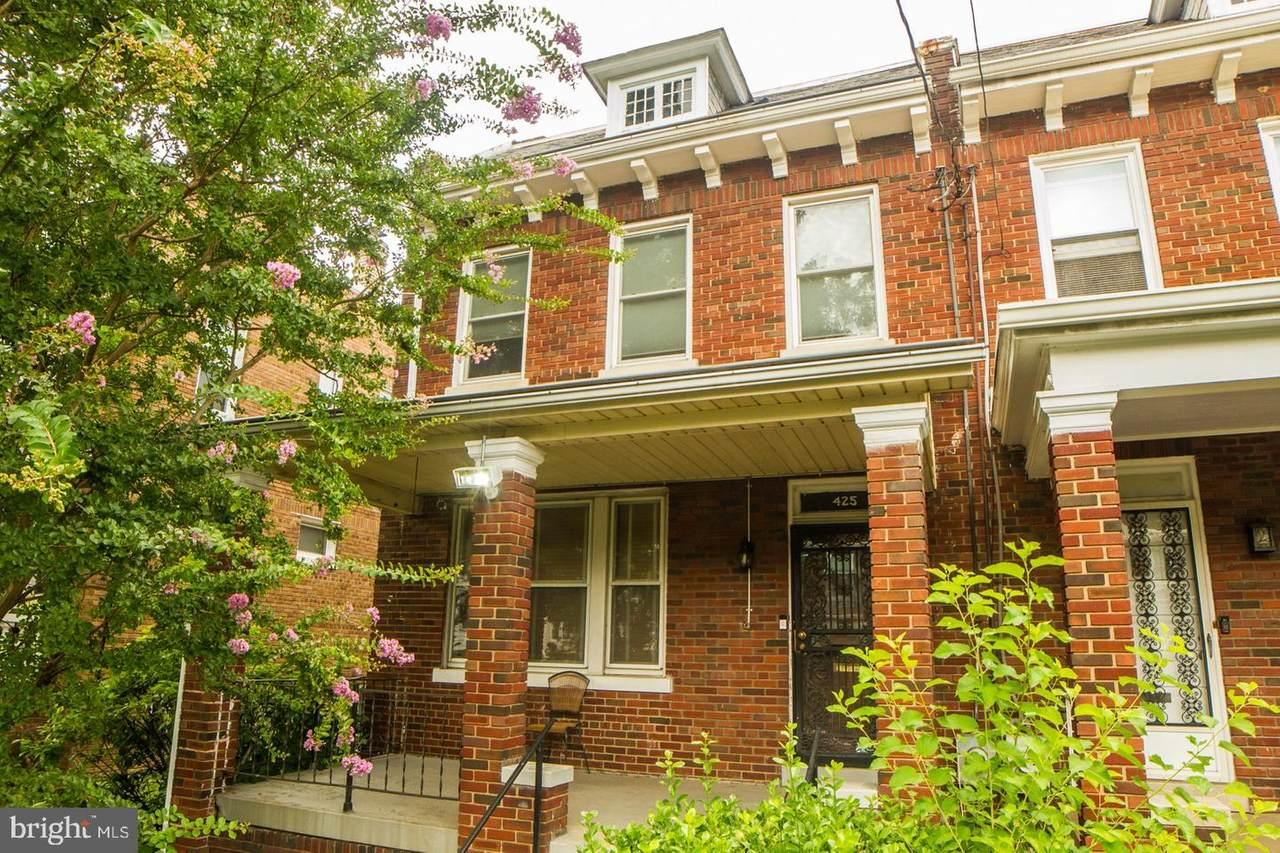 425 Oglethorpe Street - Photo 1