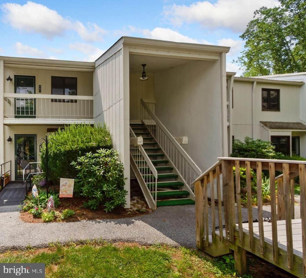 407 Summit House - Photo 1