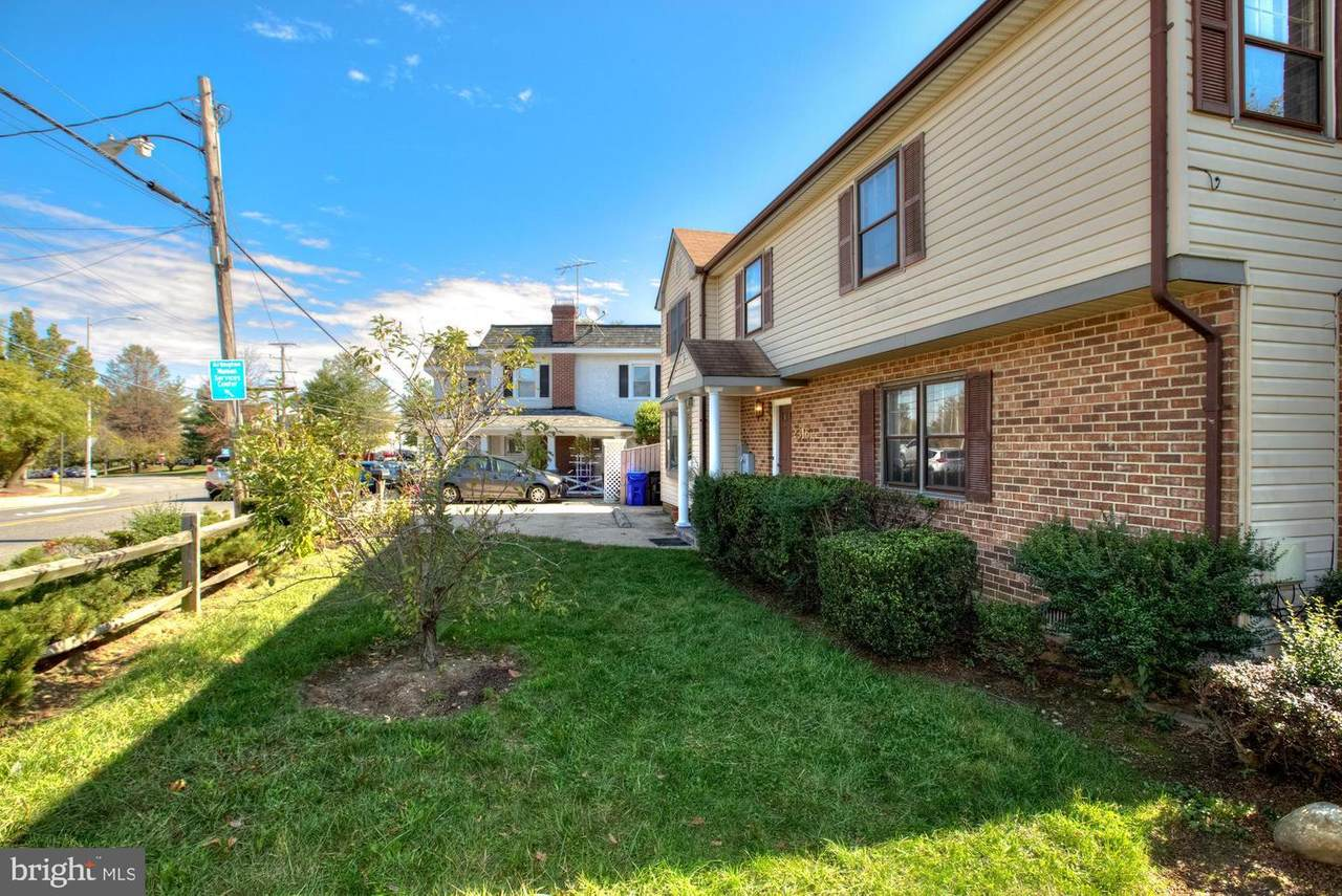 https://bt-photos.global.ssl.fastly.net/brightmls/1280_boomver_1_304248125165-2.jpg