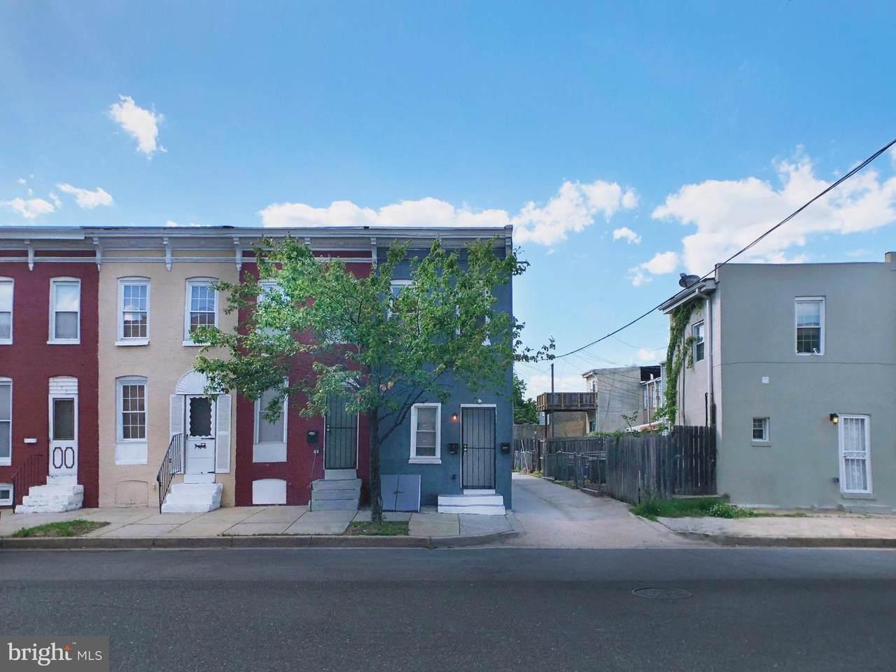 1402 Carroll Street - Photo 1
