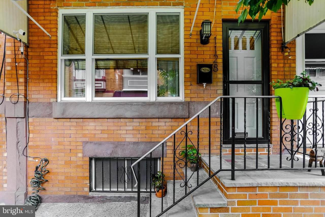1128 Linn Street - Photo 1