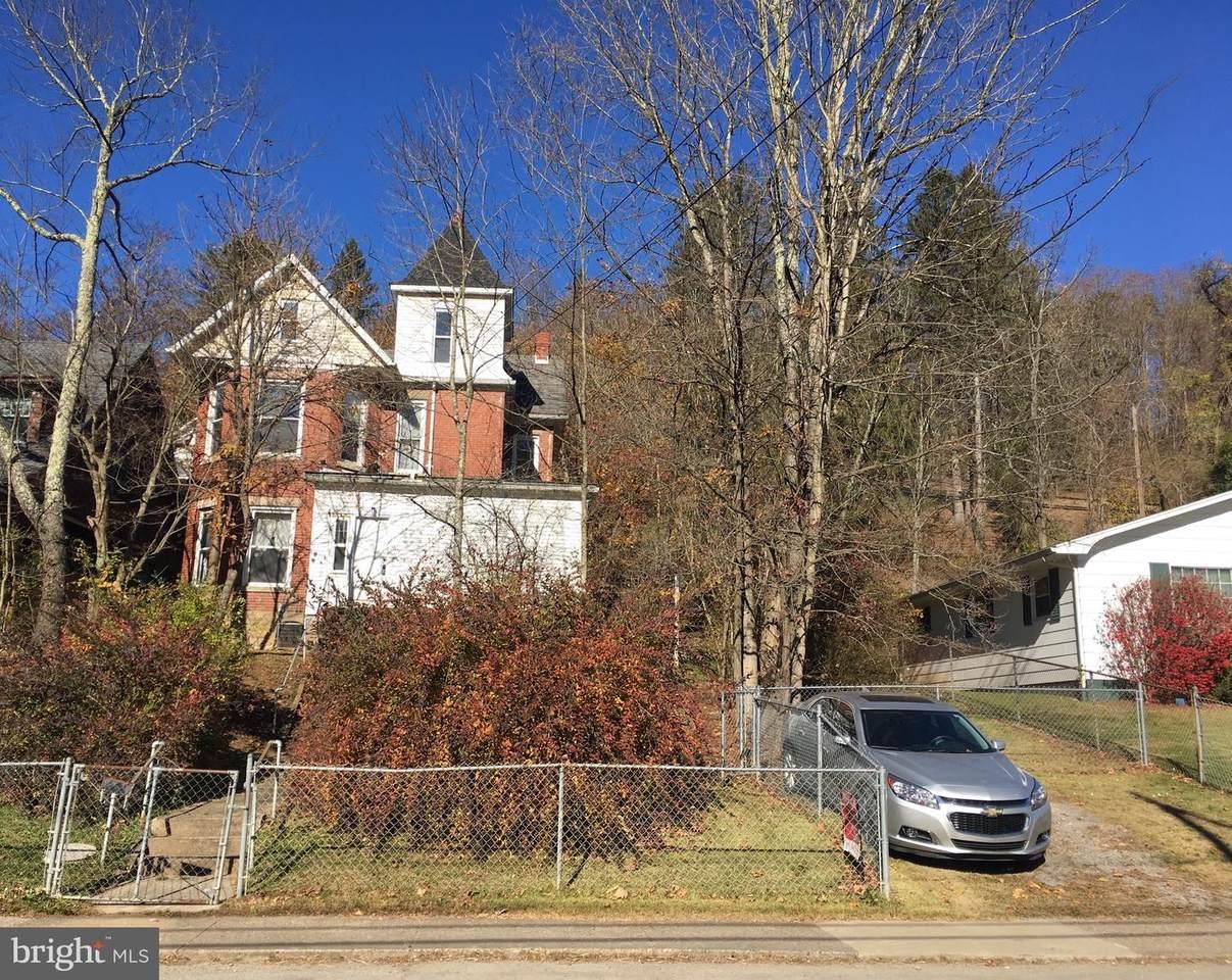 189 Main Street - Photo 1