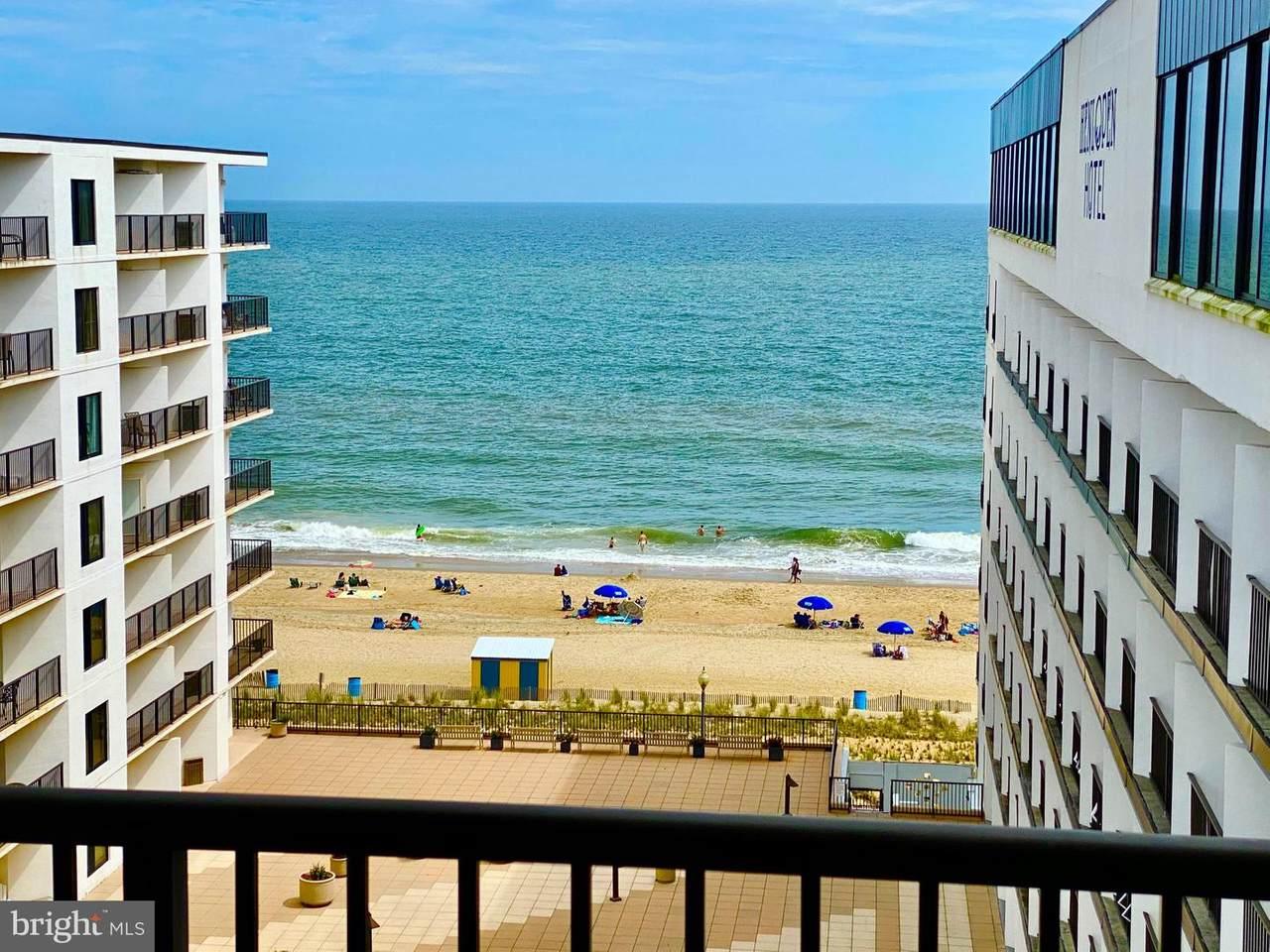 527 Boardwalk - Photo 1