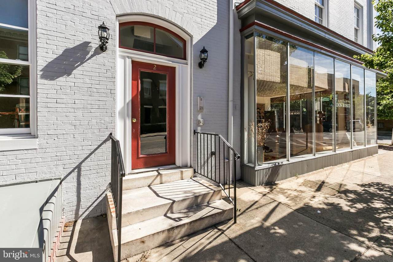 828 Charles Street - Photo 1
