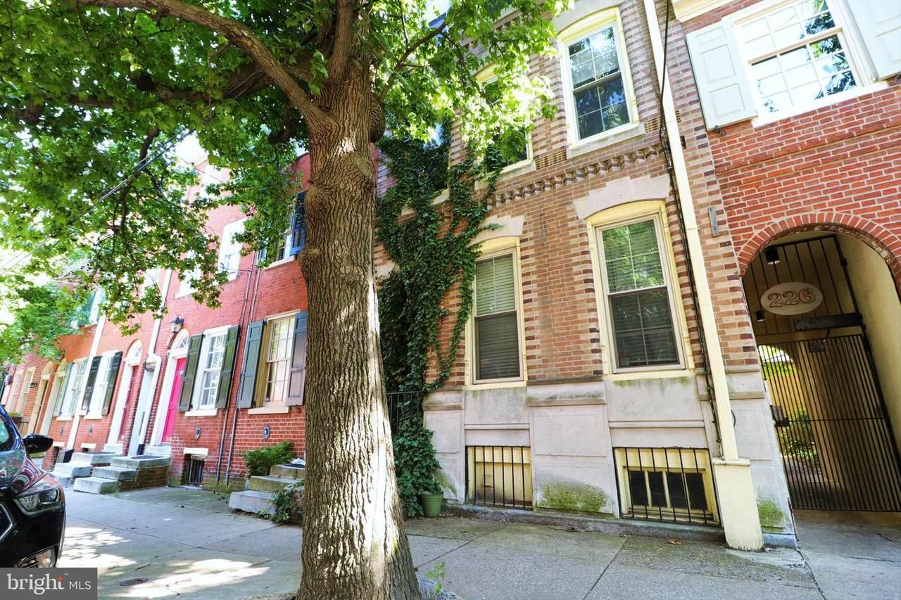 226 Monroe Street - Photo 1