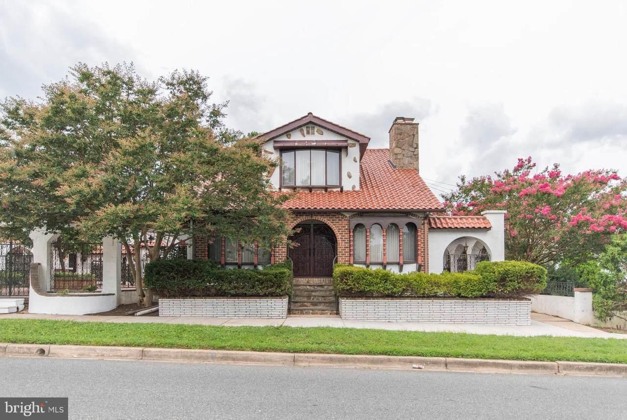 603 Howard Street - Photo 1