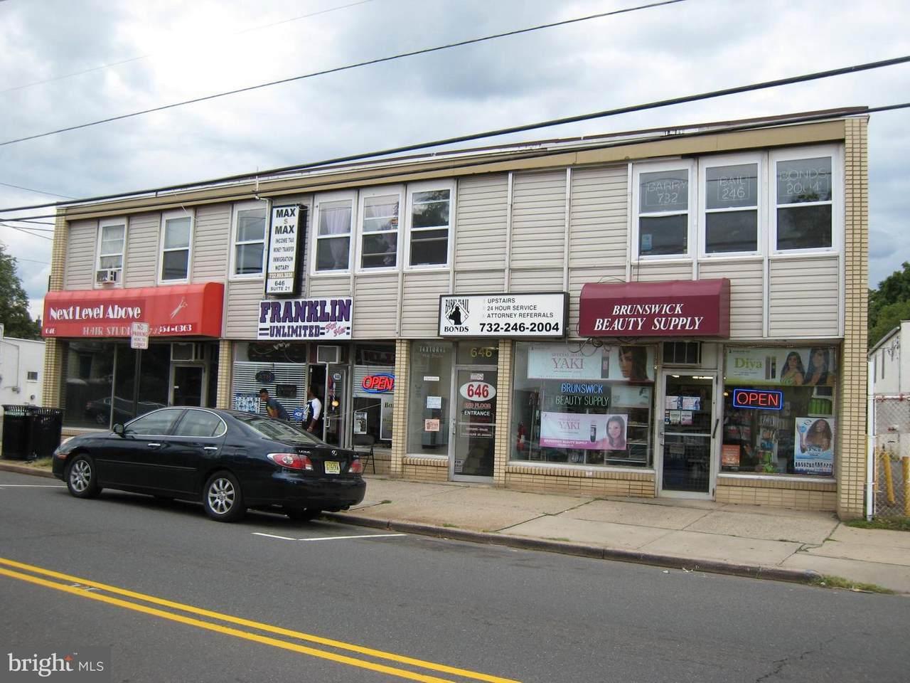 646 Hamilton Street - Photo 1