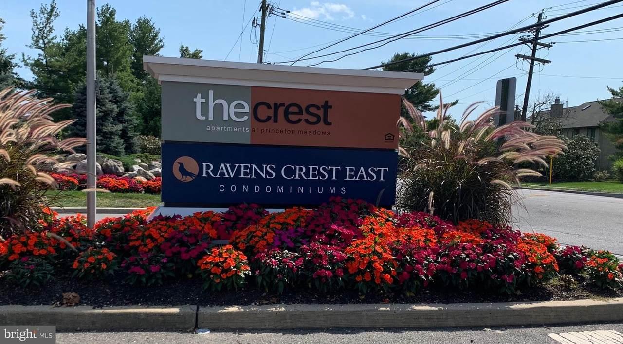 906 Ravens Crest Dr E - Photo 1