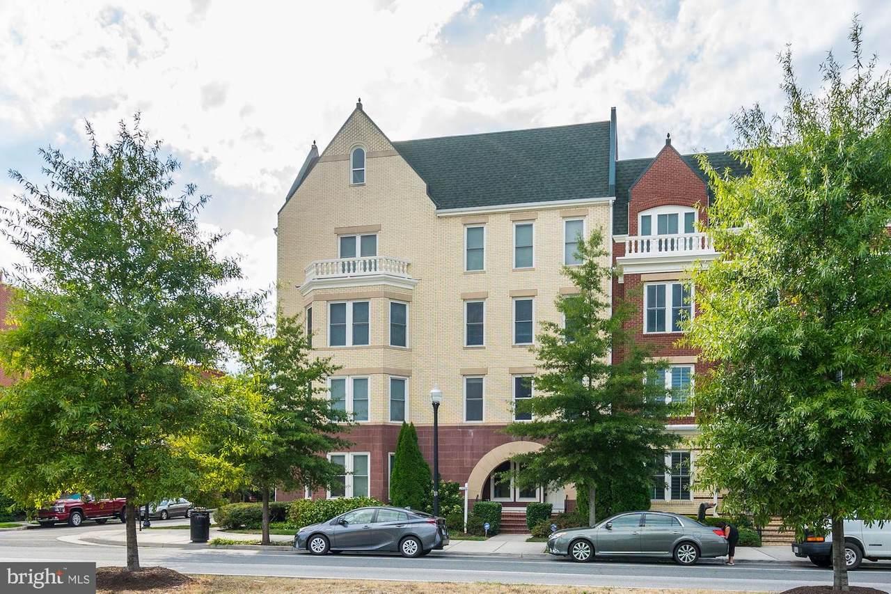 2402 Potomac Avenue - Photo 1
