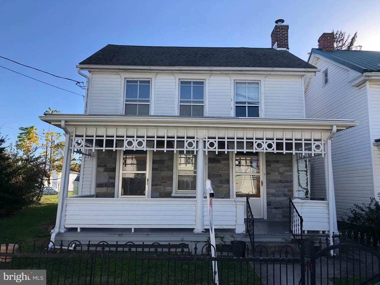 133 East Franklin - Photo 1