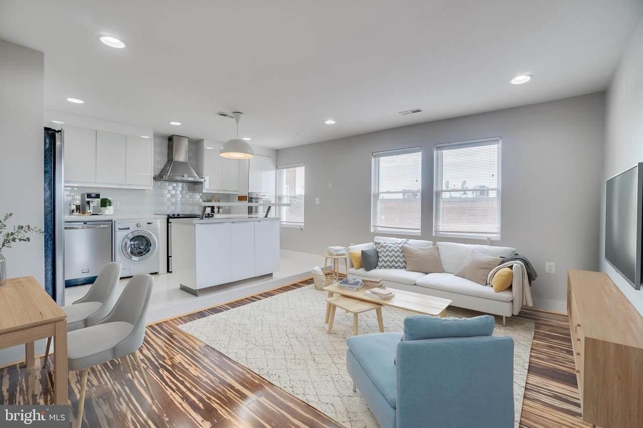 1220 Holbrook Terrace - Photo 1