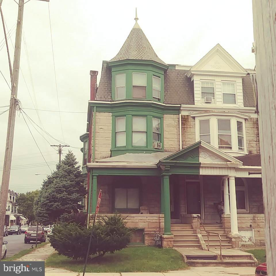 132 Windsor Street - Photo 1