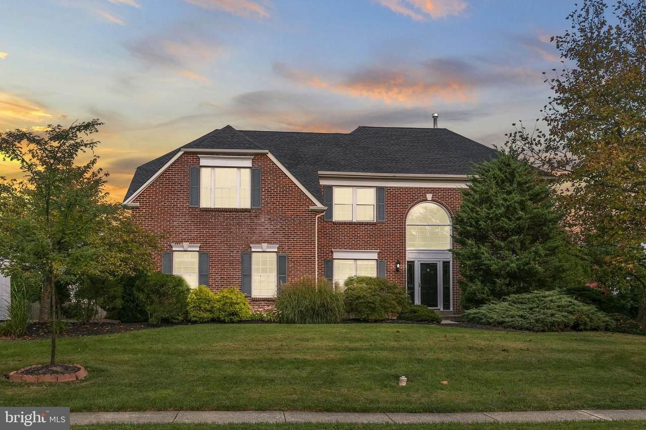 135 Tudor Drive - Photo 1