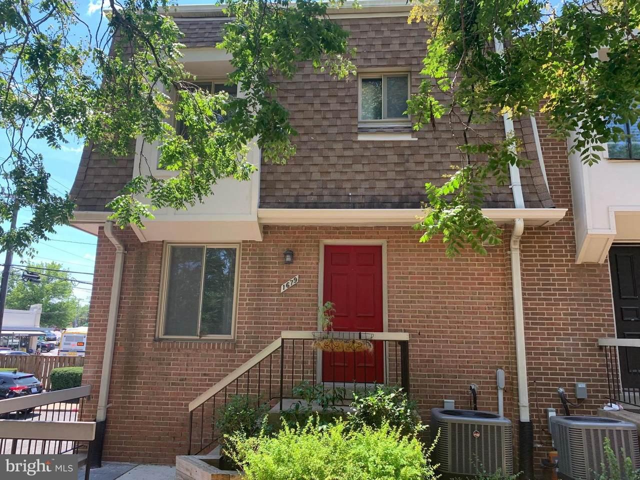1679 Kenwood Avenue - Photo 1