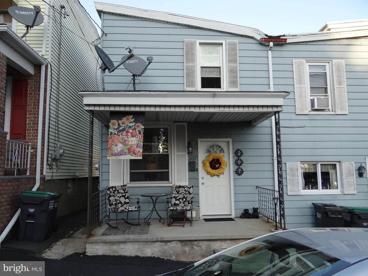 207 2ND Street - Photo 1