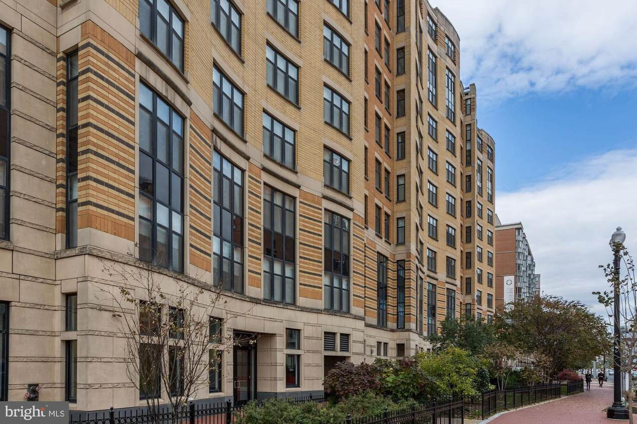 400 Massachusetts Avenue - Photo 1