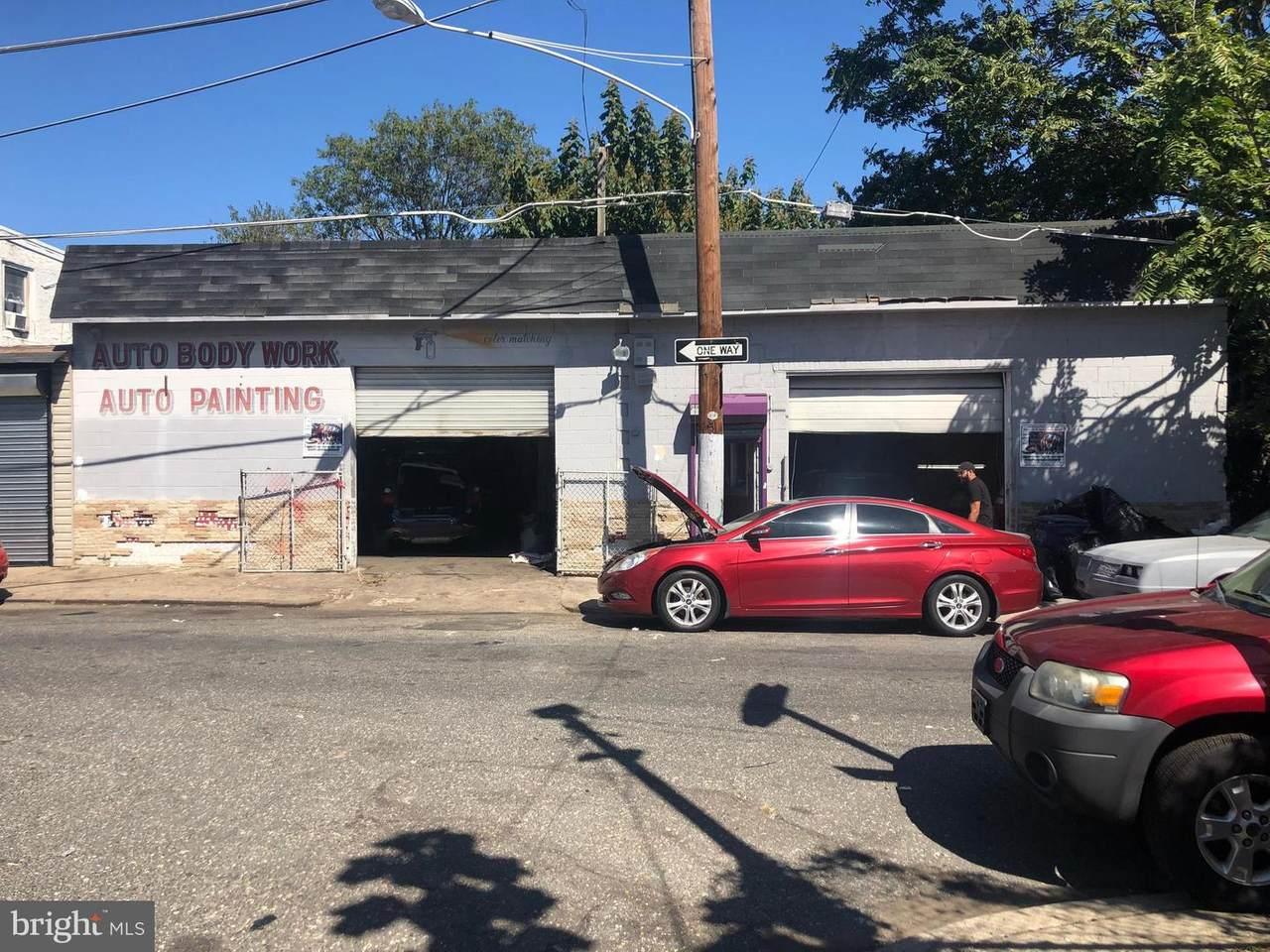 2039 Plum Street - Photo 1