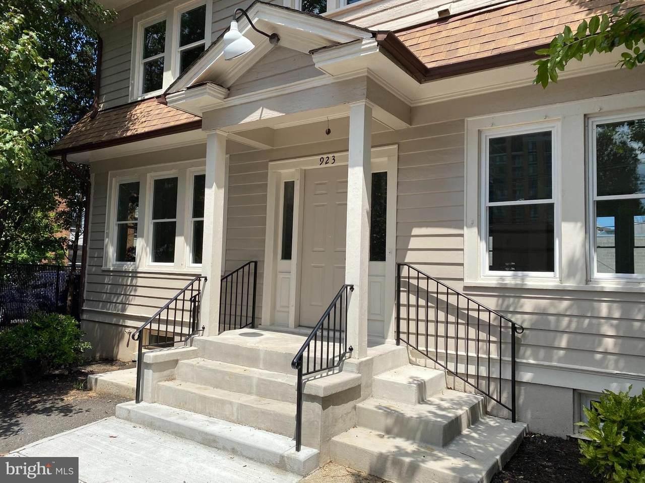 923 Kenmore Street - Photo 1