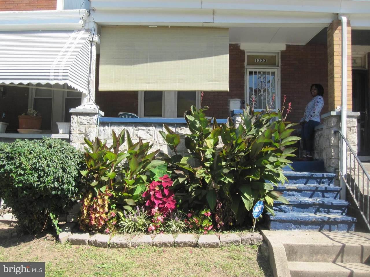 1223 Ellwood Avenue - Photo 1