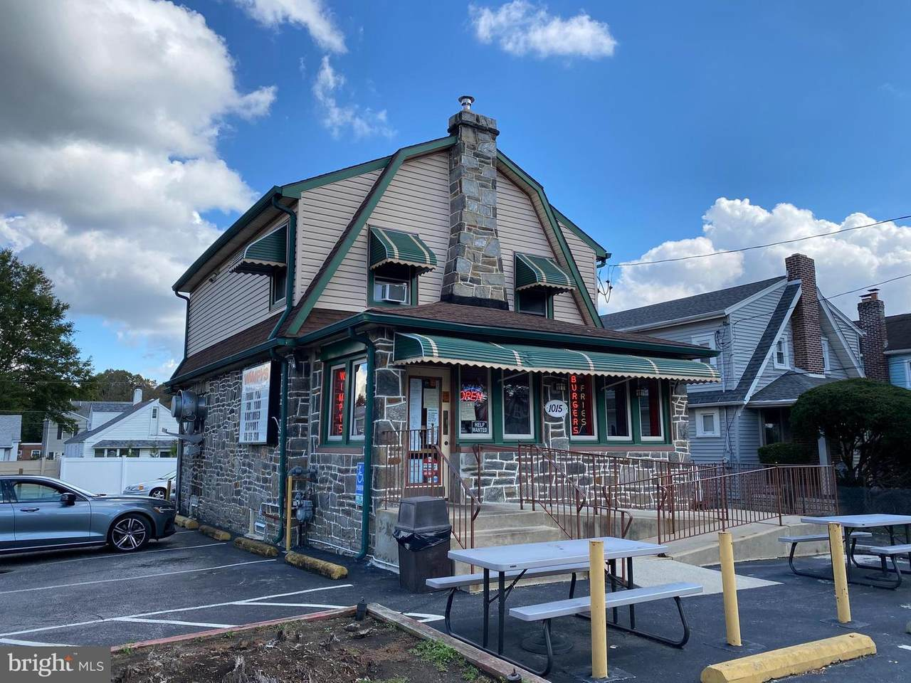 1015 Providence Road - Photo 1