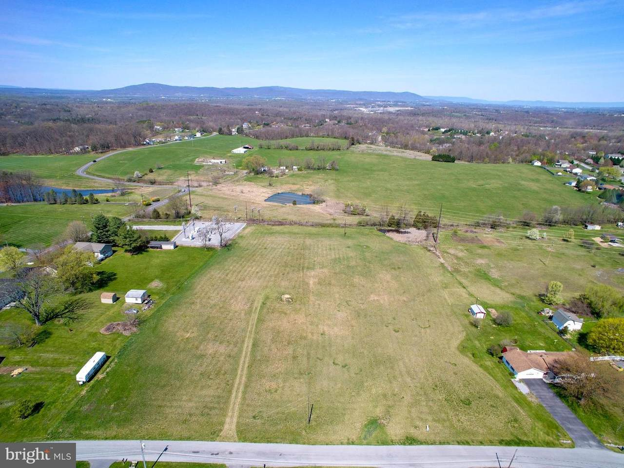 https://bt-photos.global.ssl.fastly.net/brightmls/1280_boomver_1_304338307460-2.jpg