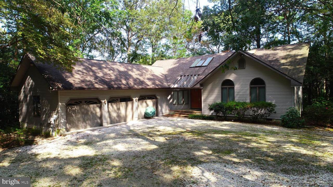 220 Waterford Drive - Photo 1