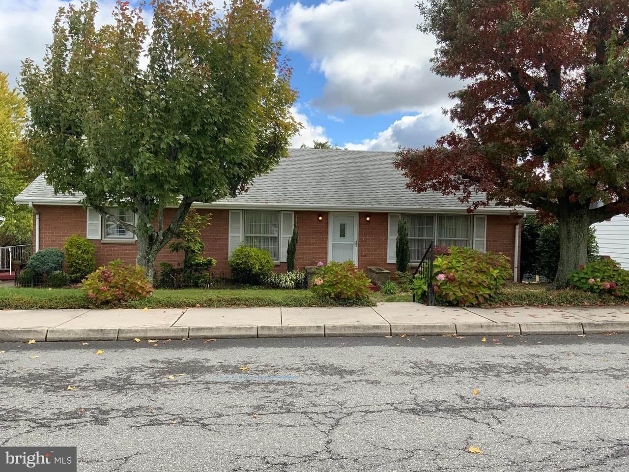 706 Avondale Avenue - Photo 1
