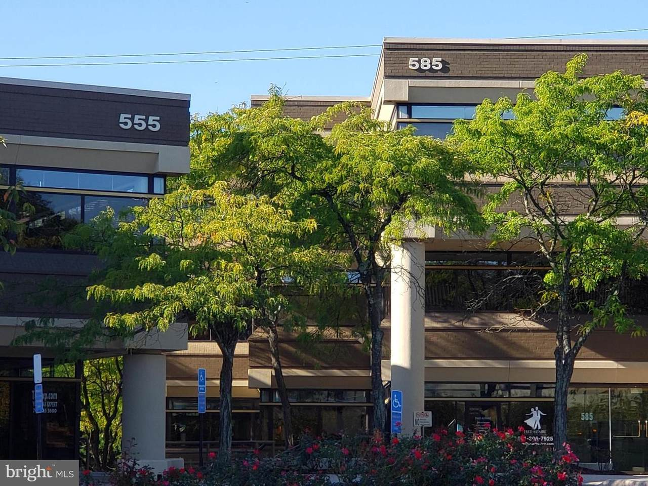 555-585 Grove Street - Photo 1