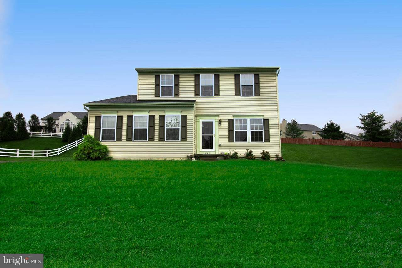 228 Green Meadow Drive - Photo 1
