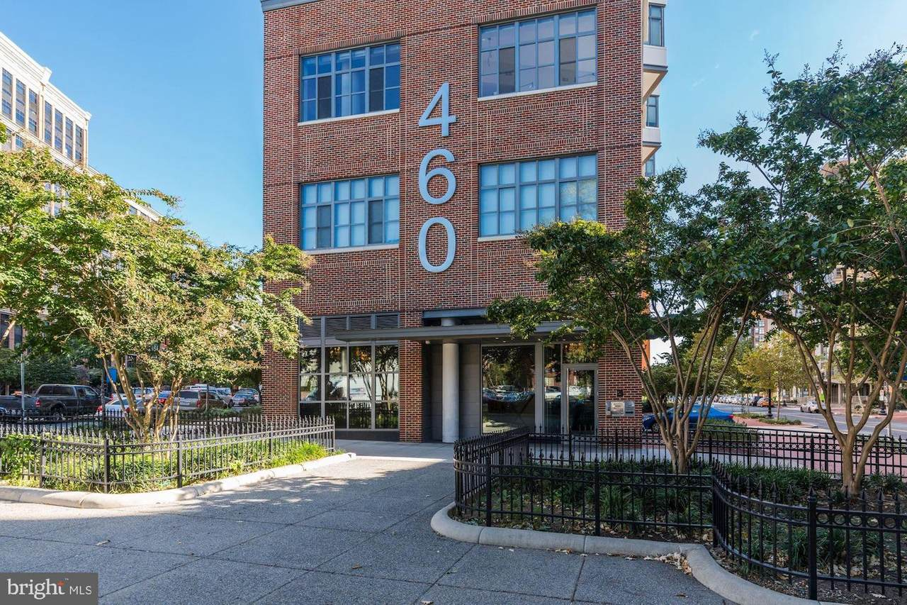 460 New York Avenue - Photo 1