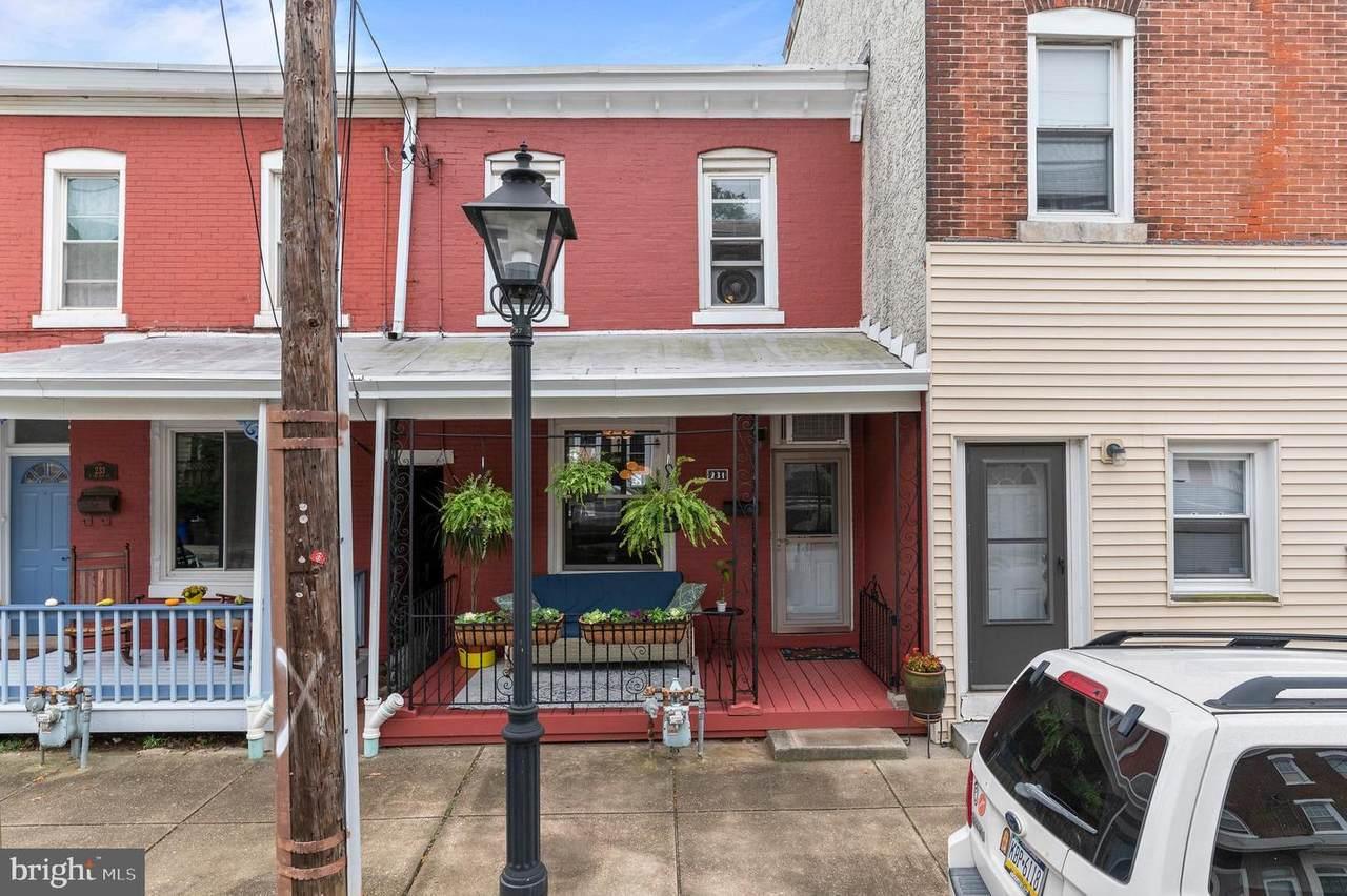 231 Hector Street - Photo 1